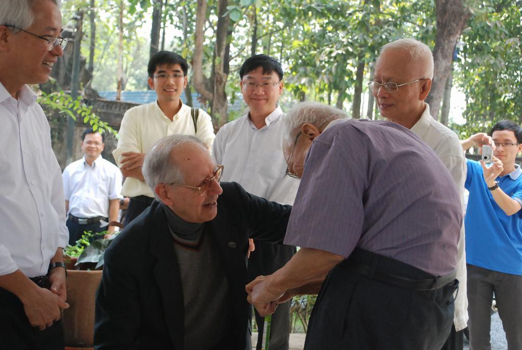 Father General Adolfo Nicolás, SJ in Vietnam – 2015